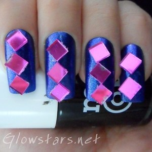A mani using pink mirror mosaic tiles. To find out more please visit http://glowstars.net/lacquer-obsession/2012/09/the-digit-al-dozen-blues-pink-tile