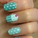 green spots and cupcake design =D
