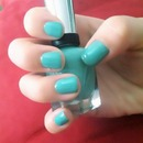 Mint manicure nails