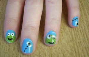 I done this really cute froggi desighn on my friend lacy :)