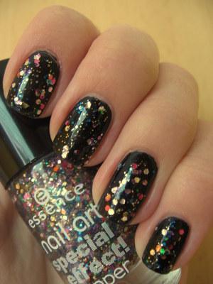 http://arvonka-nails.blogspot.com/2012/03/essence-circus-confetti.html