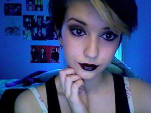 black/purple lipstick is lovely!