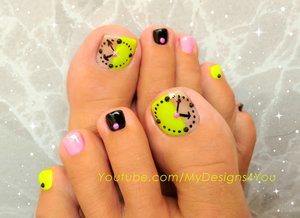 Fun Clock Toenail Art Design Neon.
