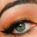 A Classic Cateye on Nudeish lid