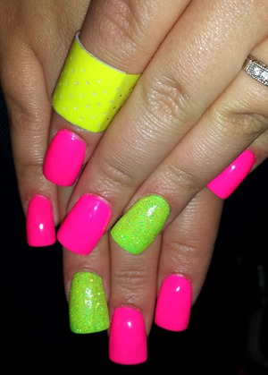 summer ie getting closer... time for bright colors and neons! oh and yes of course my band aid had to match! fabulous!