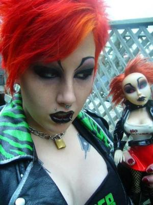Very old look i did 2007 maybe? Made myself up to look like the living dead doll