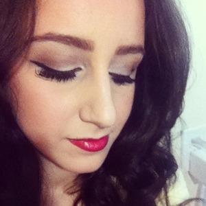 Winged eyeliner & red lips! :)