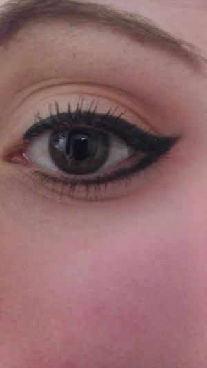 Winged eyeliner = <3