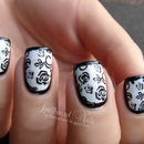 Elegant Border Nails