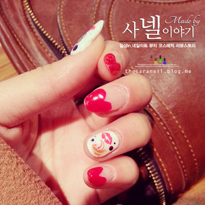 Hello! I'm sara!  Today is a funny Friday all of us love and Happy valentine day for couple! so, maybe.. this posting is for women who want to be the beautiful girlfriend. Last night I made this nail art , inspired by heart shape and chocolate.   http://saranail.blogspot.kr/2014/02/saranail-heart-nailart-red-color.html