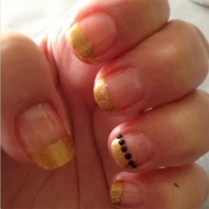 These are the nails i had for my hens night, and they matched my outfit perfectially :)