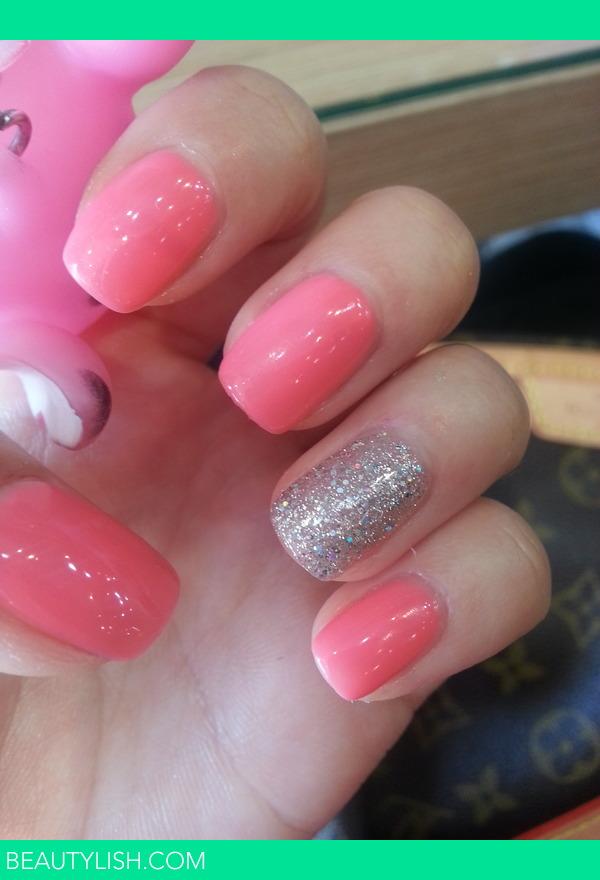 neon pink nail | Ji Hyo L.\'s Photo | Beautylish