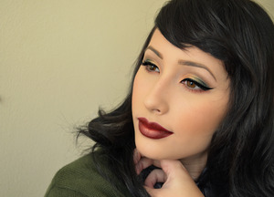 Perfect fall makeup! used micabeauty mineral eyeshadow in bronze, then I used goldilux and midori by Ssugarpill, and from my Urban Decay vice2 palette I used damaged and toxic! Lastly I used Milani baked eyeshadow in I heart you! Lips I used melt cosmetics lipstick in #melt6six6 and I used a little bit of goldilux in the middle of my lips! Few I think that's all I used lol!