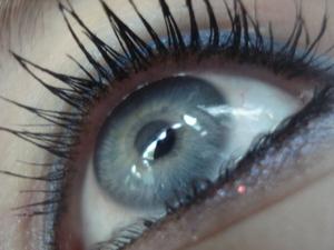 Heavy mascara with blue eyeliner