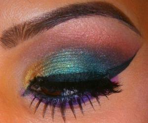 http://smokincolour.blogspot.com/2013/03/aqeelas-24th-weekly-makeup-tag-peacock.html