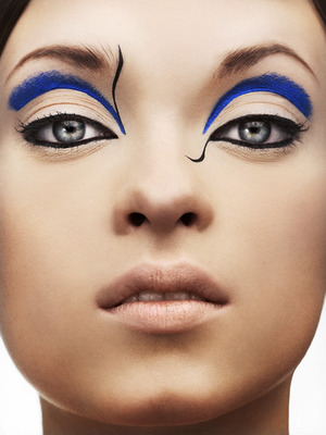 blue-art-makeup