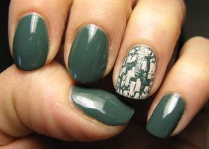 My latest buy: green polish + nude crackle both by Deborah Milano! ^_^