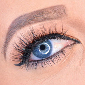 Love these lashes!