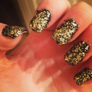 nails!! Black and Gold