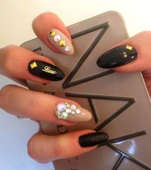 First nail art design