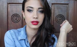 I just love red lipstick <3