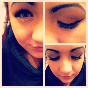 White Mascara On The Bottom Lashes ! Loved This New Idea c:
