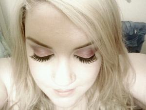 love the look of faux lashes/closed eye pics !
