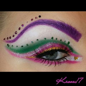 """I created this look after being fully inspired by my favorite """"No Boundaries"""" artists! @Queenofblending @slomakeup @makeupmouse @tialacakeface @bblackrabbitt @pennold @ohnoitsruthio @thepryncess @sweetleopard_   Thank you girls for inspiration!  I'll list the products in the next post.   #colorful #Glitter #clownola #beautyshot #beauty #beautyproducts #cosmetics #makeup #makeuplook #makeuptrends #makeupjunkie #instabeauty #instamakeup #kroze17"""