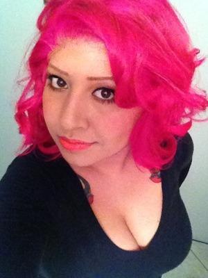 Magenta/pink hair