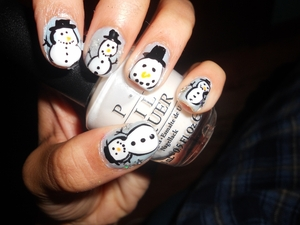 Cute Snowman! Tutorial here: http://bit.ly/AjtlET