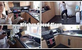 Kitchen Speed Clean REALITY   Danielle Scott