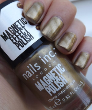 A gold magnetic effect polish