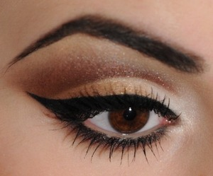 Neutral Cut Crease