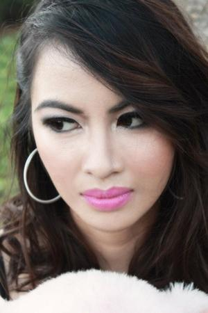 smokey eyes + pink lips
