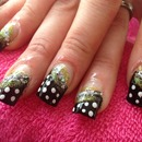 polka dots dressy nails