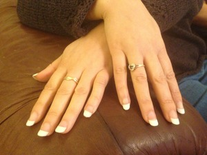 I do acrylics full set for £10! I'm located in Durham near Newcastle!