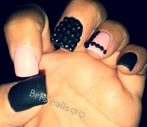 matte blk acrylic and light pink w/blk s.stones