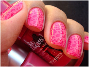 Animal prints like zebra, leopard are very easy to do and look very cute on your nails. http://www.stylecraze.com/articles/8-simple-nail-art-designs
