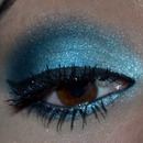 Blue frosty smokey eye