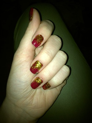 Excuse the messiness, i used loose glitter and it went everywhere !!!   Nails Inc.London - Nail Polish in Piccadilly Circus  O.P.I - Top Coat  Unbranded Loose Gold Glitter (Ebay)