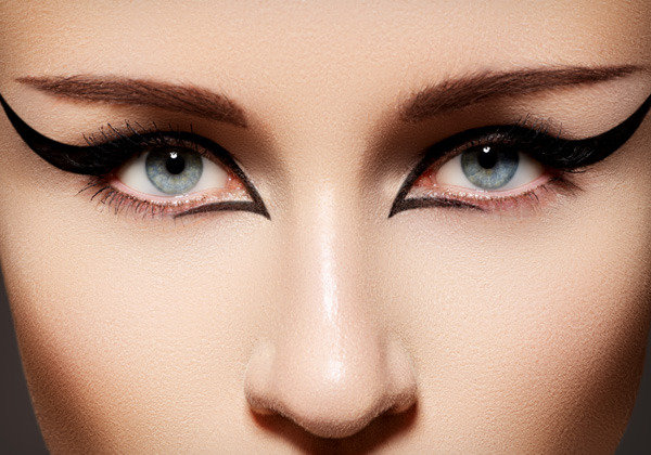 Winged Eyeliner Throughout History, Plus 4 Ways to Wear ...