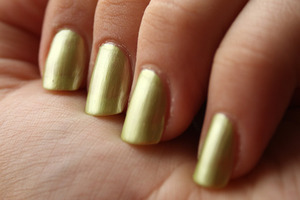 Avon Limeade (SpeedDry+) - 4 coats  http://iloveprettycolours.blogspot.com/2012/01/couple-of-greens-and-blue.html