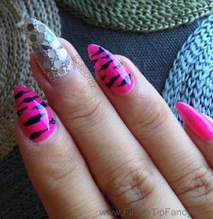 DETAILS BELOW: http://fingertipfancy.com/hot-pink-zebra-nails-silver-bling