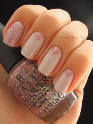 http://arvonka-nails.blogspot.sk/2012/08/essence-wanna-kiss-opi-teenage-dream.html