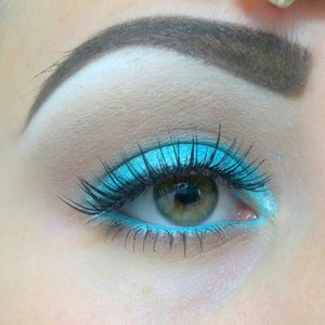 Turquoise look
