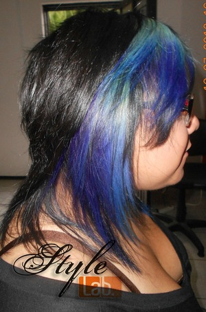 the new Sarise hair color... faded blue! like the ocean... <3
