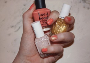 I love Coral nails but I think the gold adds some pop to it. I used Adore-A-Ball to make the gold stand out more and be more opaque.