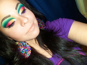 very very vibrant and fun cut crease