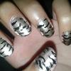 classy nails.. !