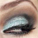 Glitter Green Makeup